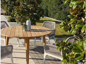 Atoll 140 Round Table with Serang Chairs -5pc Outdoor Dining Setting