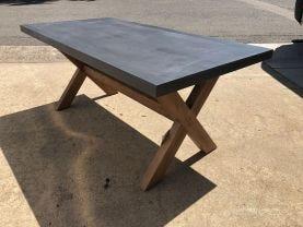Osasco Table
