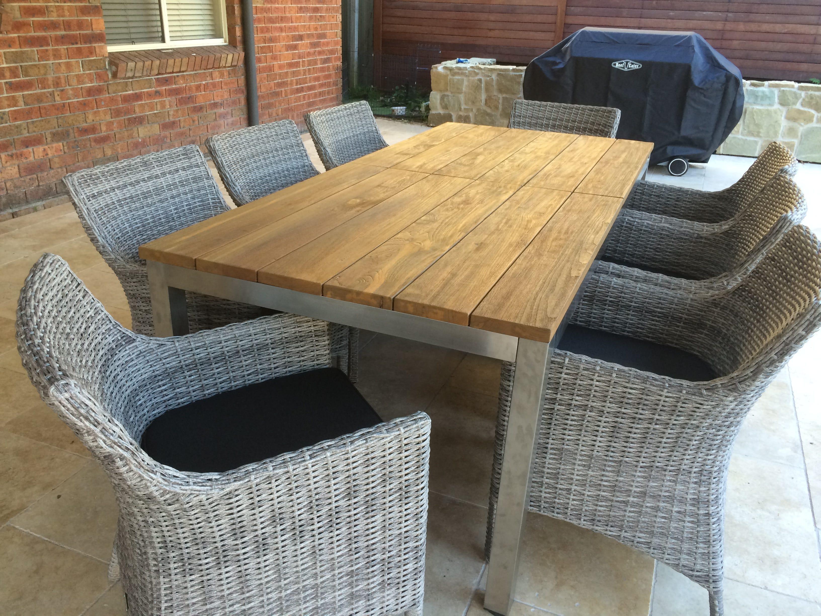 The marseilles 170 280cm teak extension table