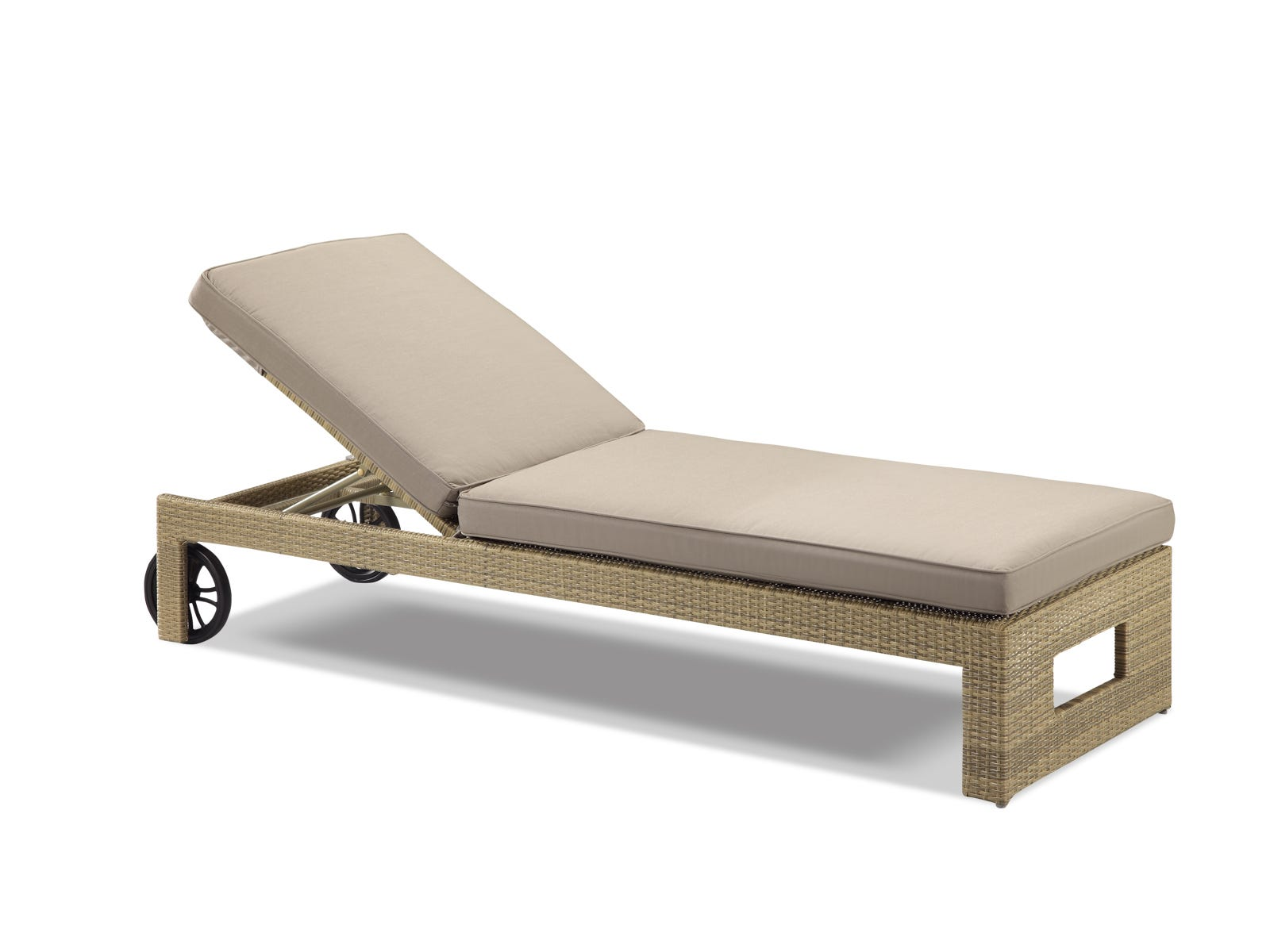 outdoor-furniture-sunlounge-wicker-rosseau-1pc-sahara-web