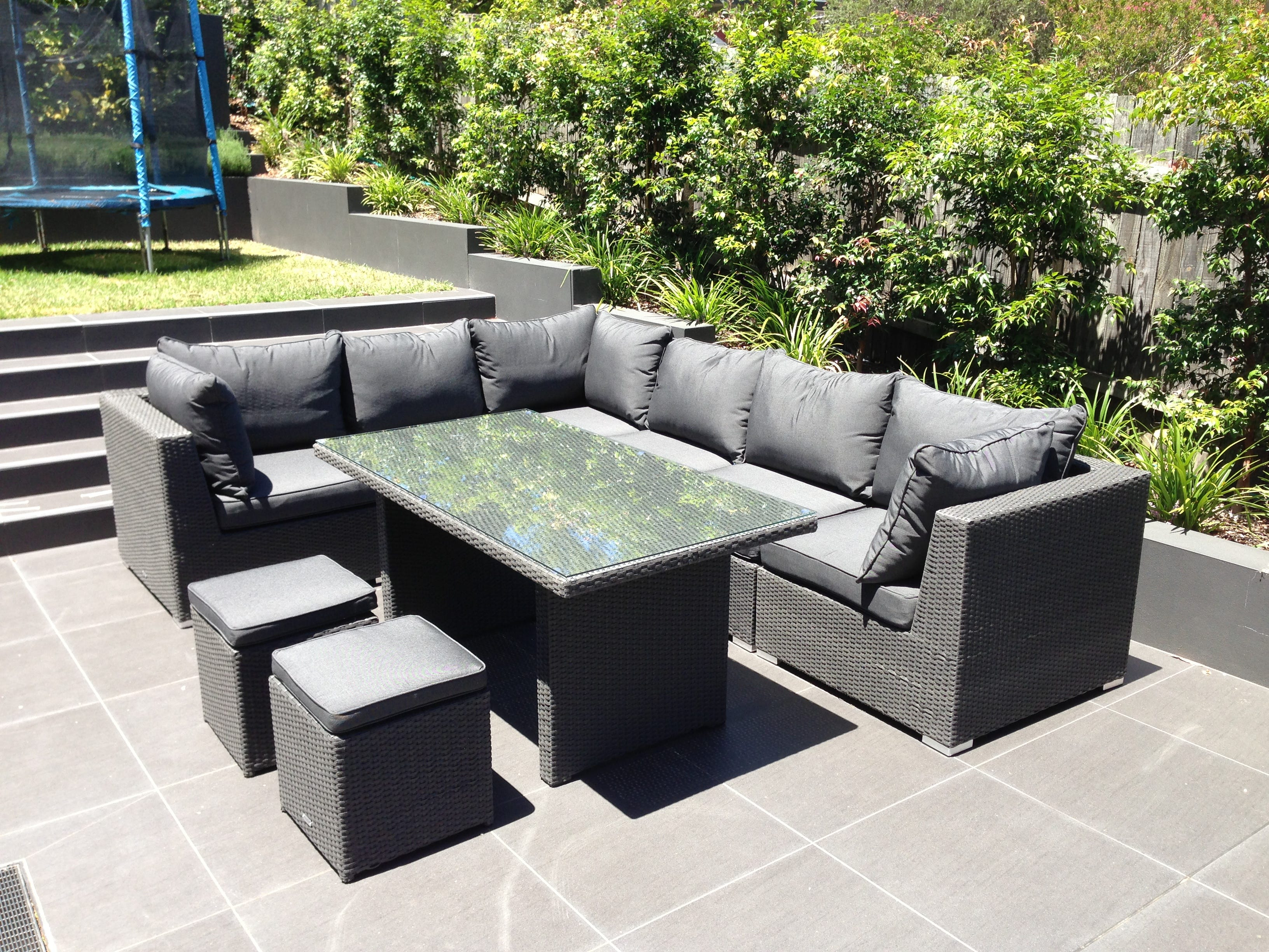 outdoor furniture evolution dining out in comfort. Black Bedroom Furniture Sets. Home Design Ideas