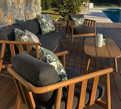 Outdoor Lounges at Outdoor Elegance